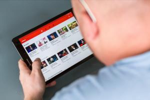 Video lernen kann helfen, schneller Wissen zu konsumieren.